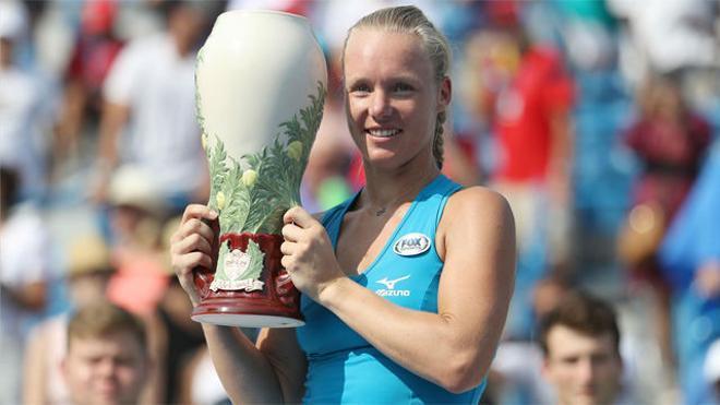 Kiki Bertens, campeona tras batir a Simona Halep (2-6 7-6 6-2)