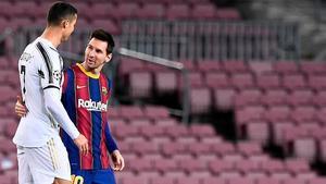 Así fue el afectuoso saludo entre Messi y Cristiano antes de comenzar el partido