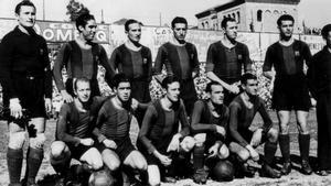 El once azulgrana que entró en la historia en 1942: Miró, Mariano Martín, Escolà, Benito, Balmanya y Zabala (arriba, de izquierda a derecha). Agachados, mismo orden: Sospedra, Bravo, Raich, Rosalén y Llácer