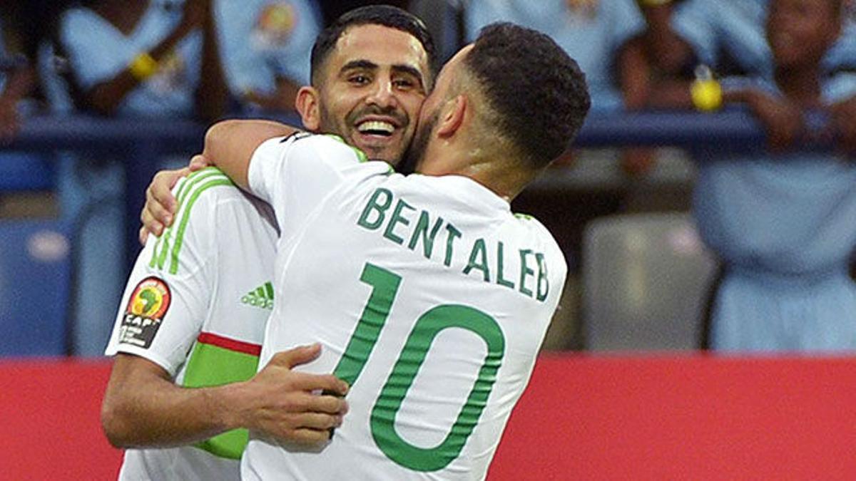 Fantástico gol de Mahrez en el Argelia - Zimbabue (2-2)