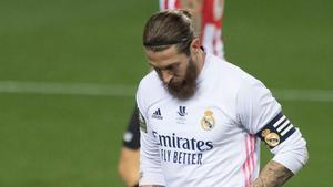Sergio Ramos no podrá estar con el equipo contra el Alavés