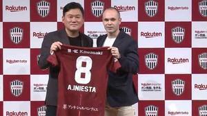 Iniesta firma con el Vissel Kobe