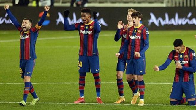 Jordi Alba celebra el pase a la final de la Supercopa de España