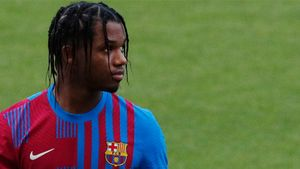 Así de bien le queda a Ansu Fati la nueva camiseta del Barça. ¡Qué ganas de verle sobre el césped!