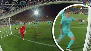 LALIGA | Las Palmas - Barcelona (1-1): Mateu Lahoz pitó penalti por manos de Digne
