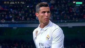 Momento del insulto de Cristiano Ronaldo a la afición del Madrid