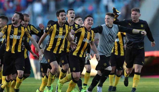 Peñarol se impuso en el clásico de Uruguay