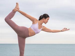 Xuan Lan es toda una celebridad en el mundo del yoga