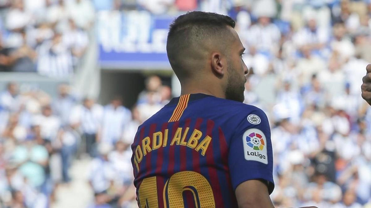 Jordi Alba fue titular, una vez más, en Anoeta
