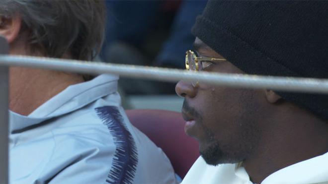El extravagante look de Dembélé para ver el partido desde la grada