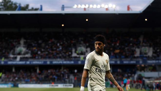 Neymar se aleja del PSG