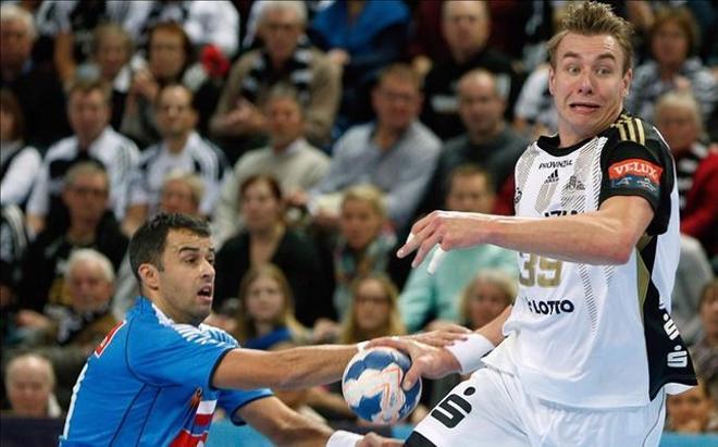 Jicha, durante un partido con el Kiel
