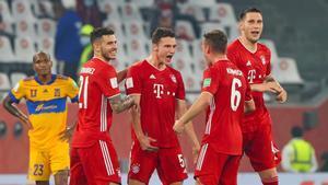 Los jugadores del Bayern celebrando el gol de Pavard