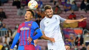 Coutinho se estrenó como titular contra el Granada