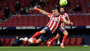 El Atlético gana a la Real y complica todavía más las opciones del Barça de ganar LaLiga