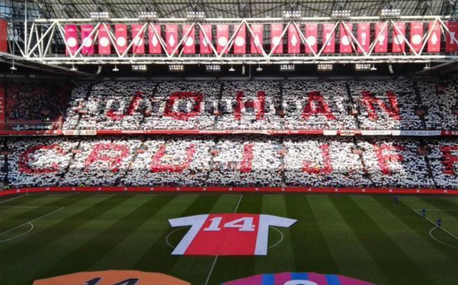 El Ajax homenajeó a Johan Cruyff