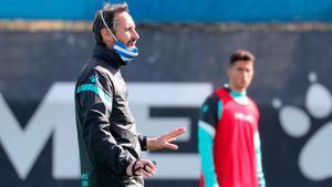 Vicente Moreno, durante un entrenamiento