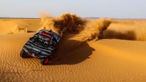 El Audi RS Q e-tron ya se ha puesto prueba en las dunas