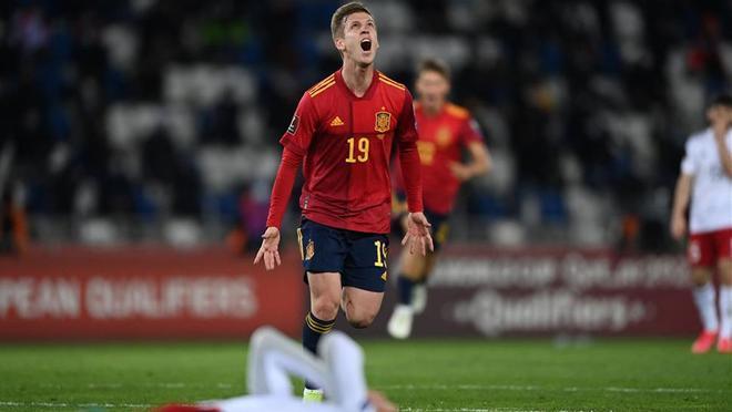 Dani Olmo celebra el gol de la victoria de España en Georgia