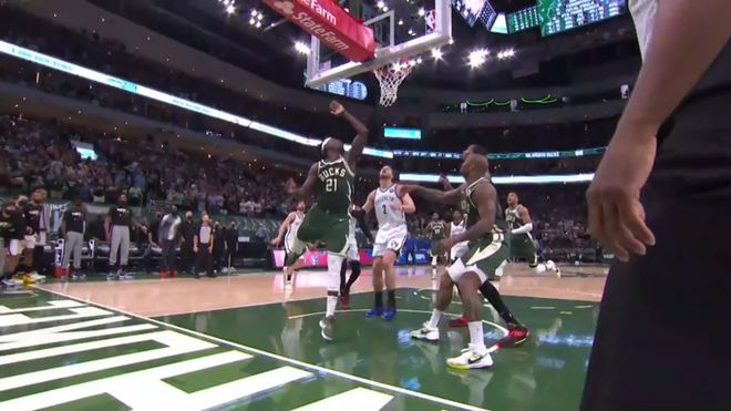Victoria de los Bucks ante los Nets