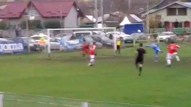 Imperdible este golazo que marcaron en la Tercera División de Rumanía. ¡De locos!