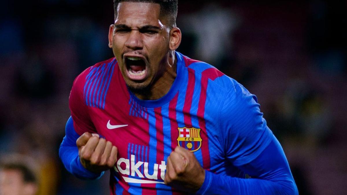 """Araujo: """"Aspiramos a todo, somos el Barça"""