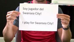 Roque Mesa, anunciando su fichaje por el Swansea
