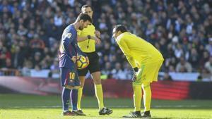 Leo Messi y Keylor Navas se han visto las caras en trece ocasiones