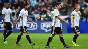 Los jugadores de la selección alemana durante el partido amistoso frente a Francia, en la noche de los atentados de París