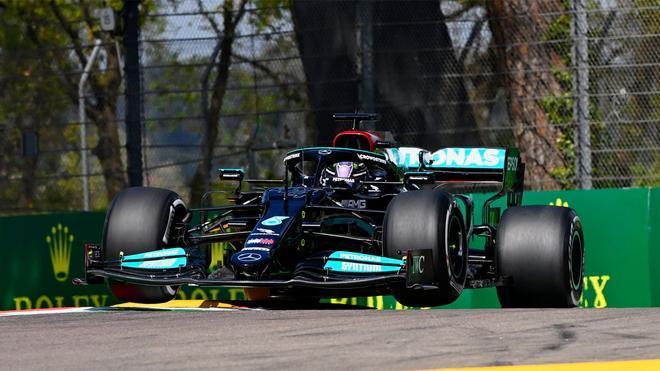 Lewis Hamilton, autor de la pole en Imola