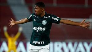 Rony celebra el tanto que le marcó al River Plate en la Libertadores