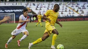 El Girona se impone 2-1 en los play off en un encuentro que suscitó polémica