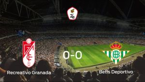 El Recreativo Granada y el Betis Deportivo concluyen su enfrentamiento en el Ciudad Deportiva del Granada CF sin goles (0-0)