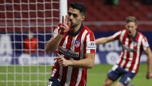 El Atlético tumba al Valencia y sigue líder en solitario