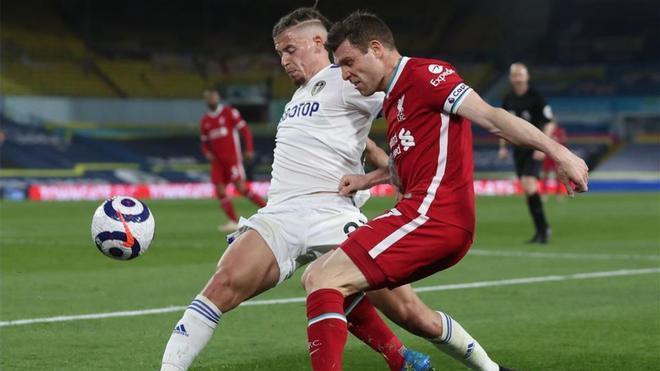 Milner, ante el Leeds