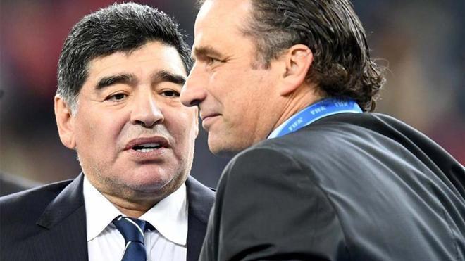 Maradona, durante la entrega de premios tras la final de la Copa Confederaciones