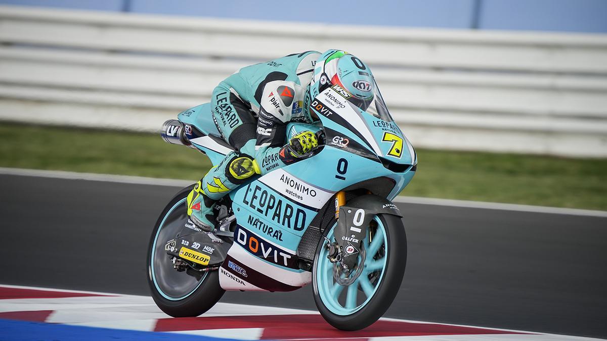 Dennis Foggia se lleva la victoria de Moto3 del GP de San Marino