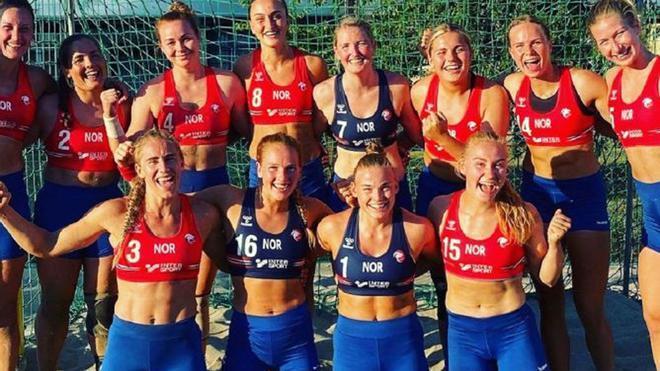 La selección noruega sancionada por no usar bikini