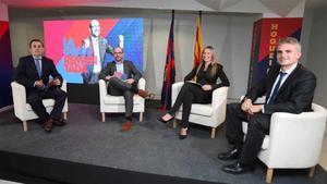 Sisco Pujol, Jordi Farré, Carla Teixidó y Josep Triadó, en la sede de NouImpulsBarça