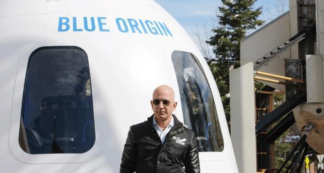Viajar al espacio junto a Jeff Bezos le costará a un turista 28 millones de dólares