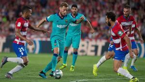 Rakitic, titular por primera vez esta temporada en Granada