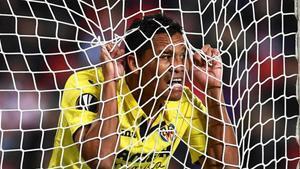 Bacca celebra el primer gol del Villarreal en Praga