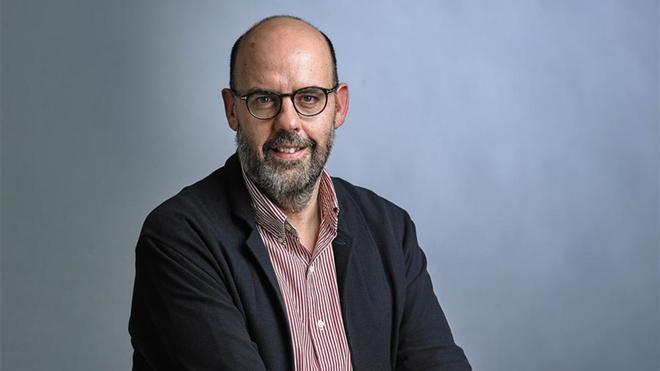 Jordi Basté publica su primer libro de no ficción con `Un home cau¿. Una novela escrita a cuatro manos junto al dramaturgo Marc Artigau
