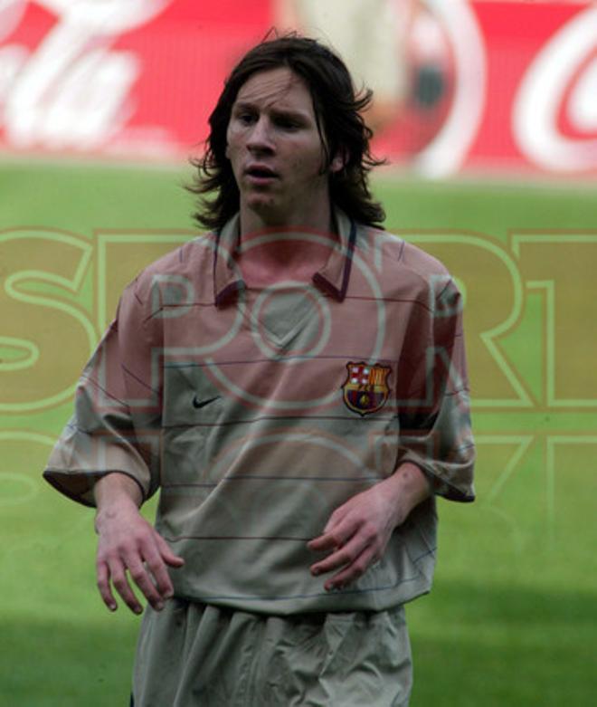 12.Leo Messi 2003-2004