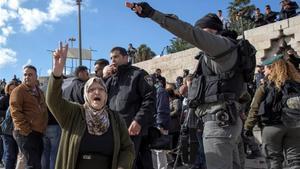 En la parte vieja de Jerusalén numerosos palestinos protestan contra Trump