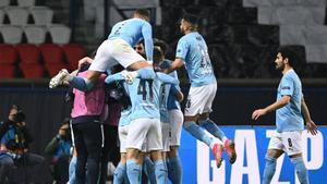 El Manchester City celebrando la victoria en París