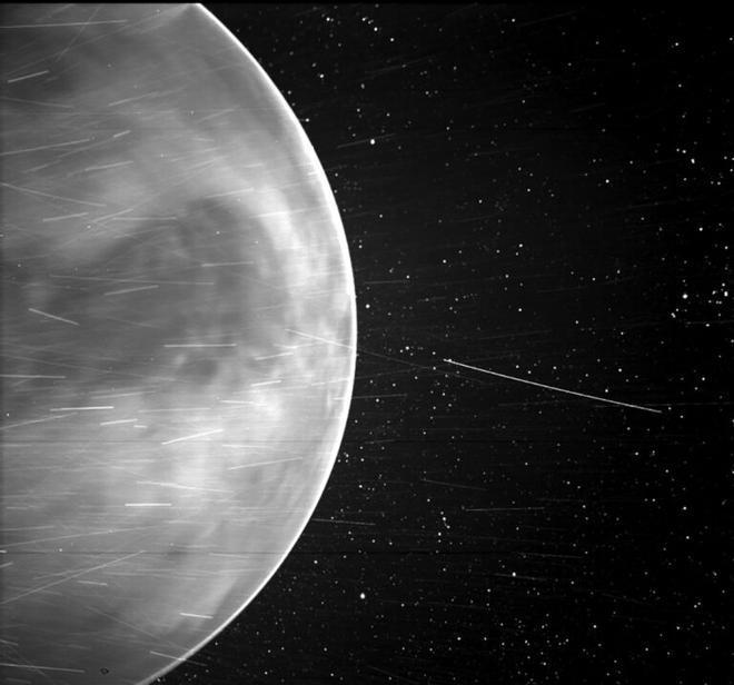 Descubren una señal de radio natural en la atmósfera de Venus