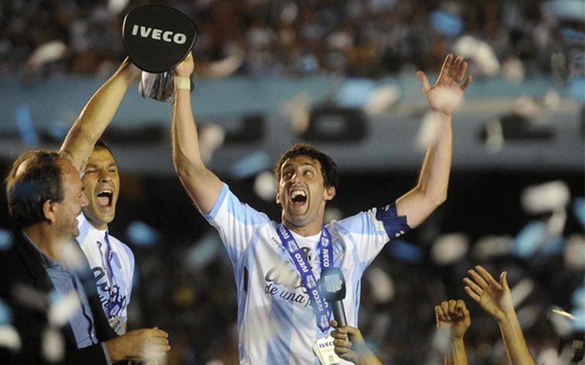 Diego Milito, celebrando un título