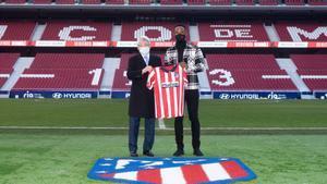 Así fue la presentación de Moussa Dembélé con el Atlético