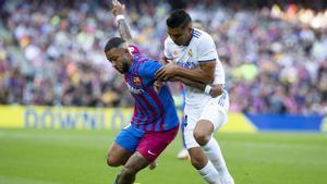 Memphis no pudo hacer daño a Casemiro ni al Real Madrid